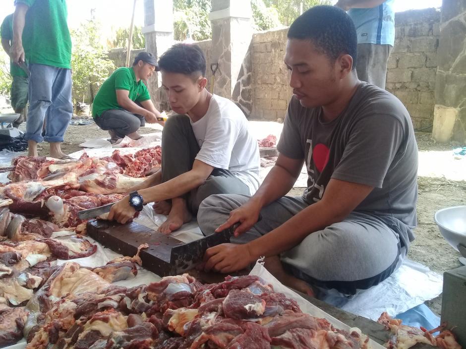 Pelaksanaan Qurban AMIK HASS Bandung 1439 Hijriyah Bersama Masyarakat